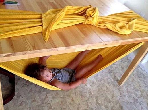 © http://www.joyfulabode.com/2012/07/29/how-to-make-a-woven-wrap-hammock/